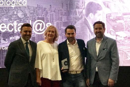 "Premio Ingenio para ""Conectados"""
